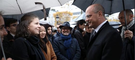Jean-Michel Blanquer et des lycéens. © Twitter @jmblanquer