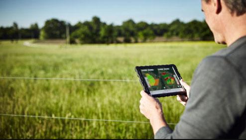 Des métiers en croissance dans l'agroéquipement : un pied dans la tech, un dans les champs