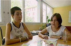 Mélanie et Anne-Laure ont contracté le VIH in utero (education.francetv)