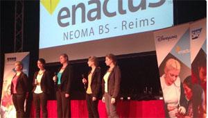 NEOMA BS Reims présente son projet lors de la grande finale.