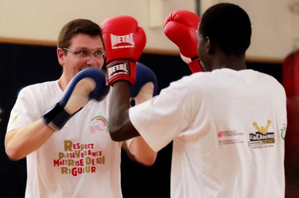 De la boxe pour les jeunes des cités avec l'Académie Christophe Tiozzo