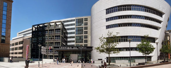 Le site du groupe d'enseignement supérieur Léonard de Vinci, dans le quartier d'affaires de La Défense (92).