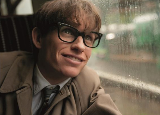 Eddie Redmayne dans le rôle de Stephen Hawking. Photo : Universal Pictures