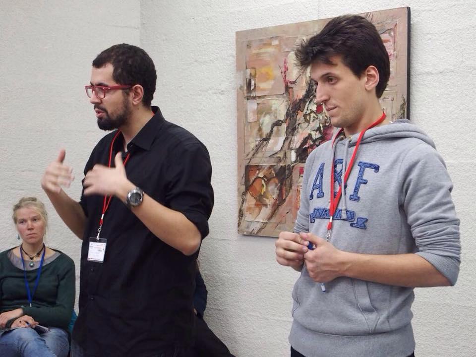 Coexister organise des actions de dialogue, de solidarité et de sensibilisation dans les lieux où des jeunes très différents vivent ensemble : universités, quartiers, groupes locaux.