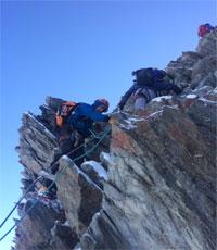 Cinq apprentis au sommet du mont Blanc