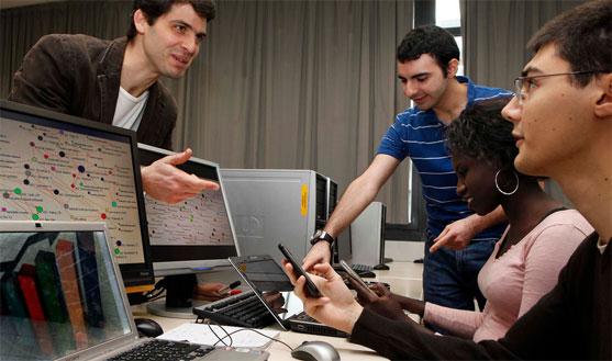 Des étudiants de l'ESILV, Ecole supérieure d'ingénieurs Léonard de Vinci.