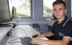 Il concilie des études d'ingénieur à l'ESIEA et le foot à haut niveau