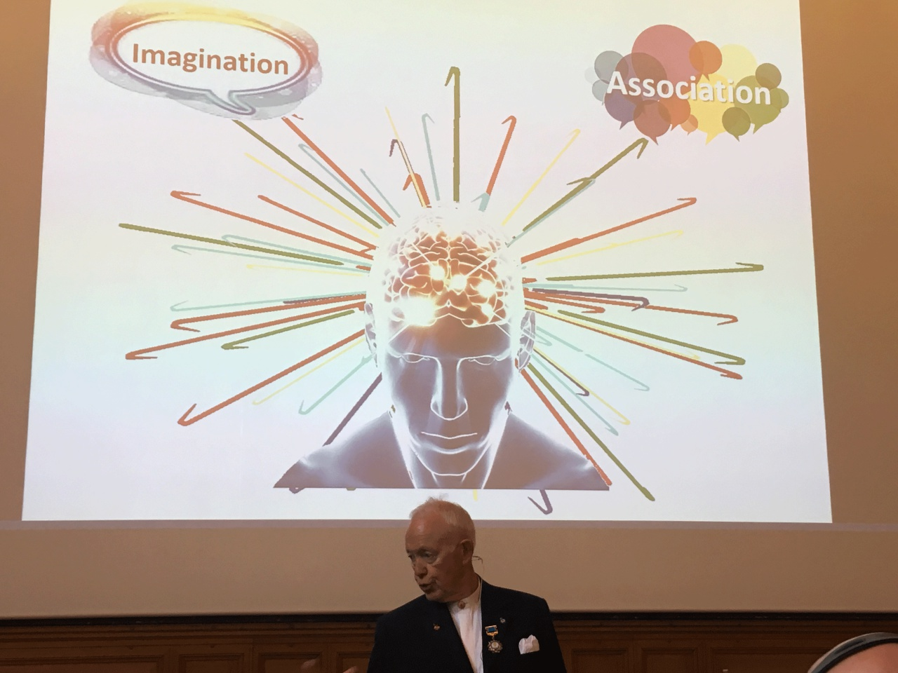 Tony Buzan, le père du mind-mapping